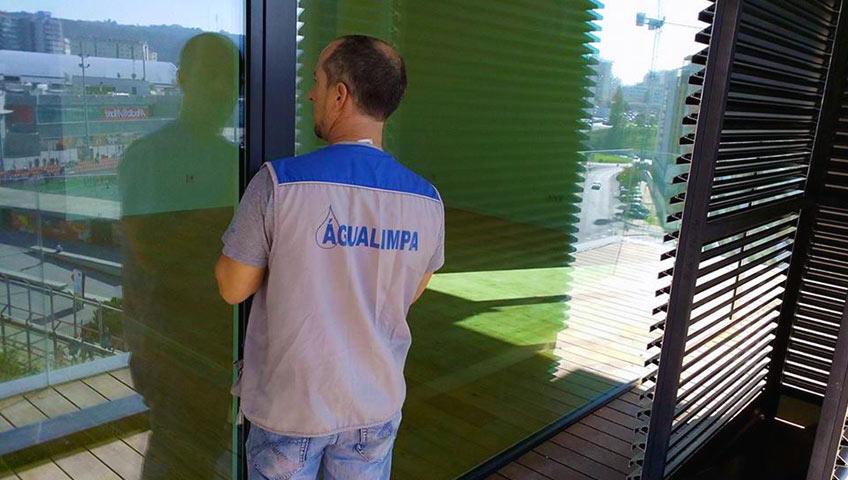 Águalimpa - Limpezas de Interiores e Exteriores - Empresa de Limpezas Lisboa - Limpezas Domésticas e de Condomínios